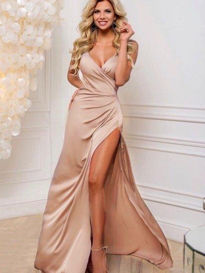 Вечернее атласное золотистое платье с декольте, фото 1