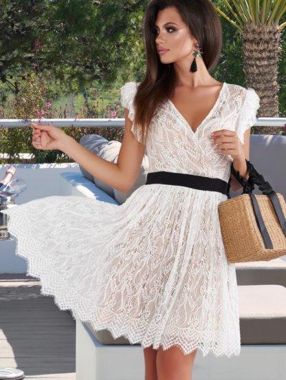 Белое кружевное платье с черным поясом, фото 1