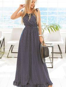 Летнее длинное синее платье с открытыми плечами в горошек