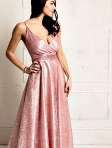 Вечернее длинное мерцающее платье на бретелях