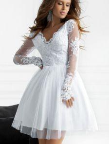 Короткое белое нарядное платье с кружевом на роспись