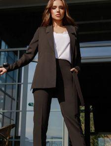Строгий деловой черный брючный костюм тройка на работу