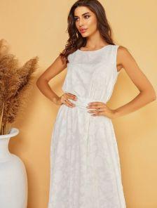 Нарядное длинное белое платье