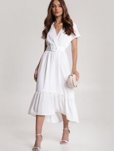 Короткое белое асимметричное платье с оборкой