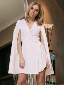 Белое стильное короткое платье пиджак на длинный рукав