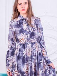 Нарядное серое платье миди с цветами и рукавом