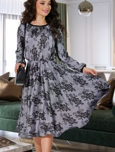 Шелковое платье миди на длинный рукав с чурным кружевным узором
