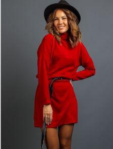 Красное теплое ангоровое короткое платье под пояс