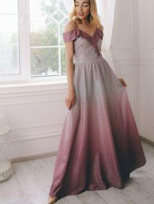 Длинное нарядное вечернее платье с разрезом