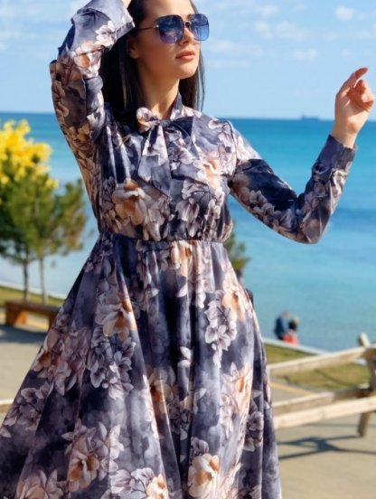 Нарядное серое платье миди с цветами на длинный рукав, фото 1
