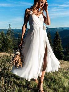 Белое легкое вечернее платье на бретелях
