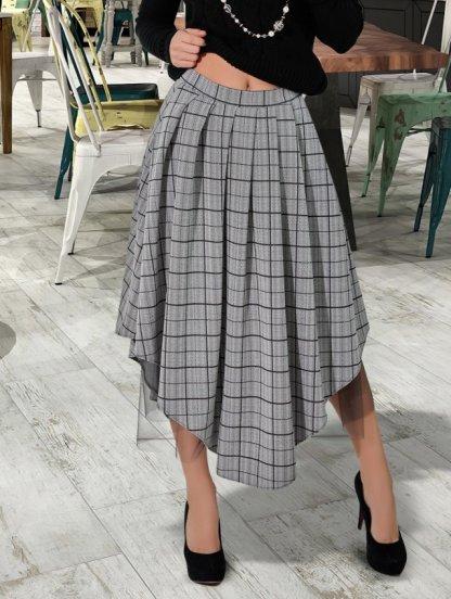 Серая стильная юбка макси в клетку с асимметрией, фото 1