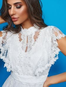 Белое кружевное нарядное платье на роспись с рукавом воланом