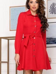 Женское короткое платье с поясом в красном цвете
