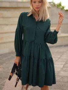 Зеленое короткое свободное платье с оборками на длинный рукав