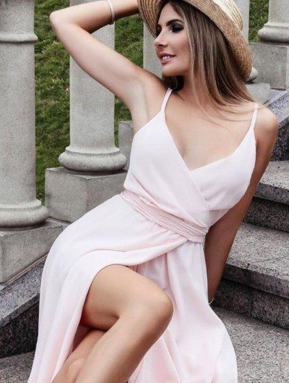 Светло-розовое вечернее платье миди с открытыми плечами, фото 1