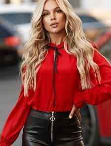 Нарядная блуза красного цвета на длинный рукав в офис