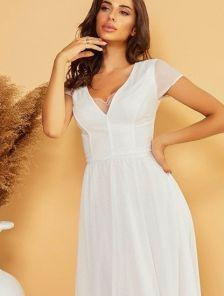 Нарядное белое блестящее длинное платье