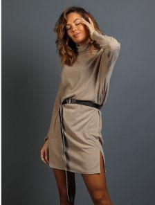 Бежевое теплое ангоровое короткое платье под пояс