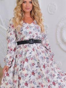 Длинное нарядное светлое платье с цветами большего размера
