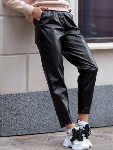 Черные облегающие кожаные брюки с высокой талией и карманами