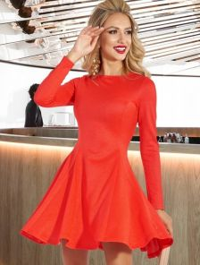Короткое осеннее нарядное красное платье на длинный рукав