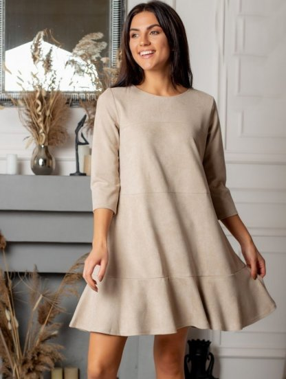 Бежевое замшевое платье трапеция с рукавом, фото 1