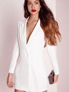 Белое короткое платье пиджак на длинный рукав