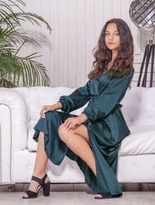 Шелковое зеленое нарядное платье макси с разрезом на длинный рукав