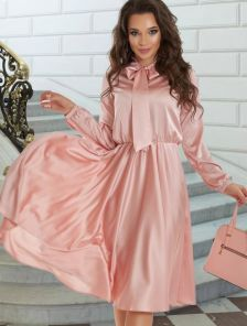 Шелковое розовое платье миди с бантом на длинный рукав
