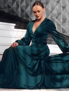 Длиннное вечернее изумрудное платье с длинным рукавом