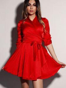 Нарядное шелковое красное платье на запах с рукавом