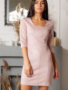 Замшевое пудровое короткое платье-футляр с рукавом 3/4 для свидания
