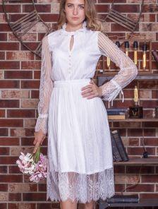 Белое коктейльное кружевное платье на длинный рукав