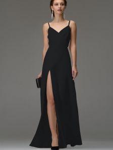 Черное вечернее длинное платье на бретелях с разрезом