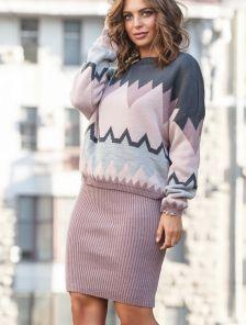 Теплый зимний вязаный светлый костюм с орнаментом : свитер и юбка