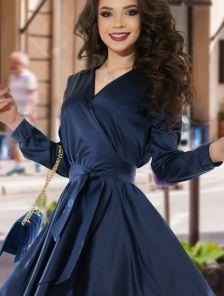 Нарядное шелковое синее платье на запах с рукавом