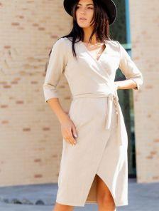Замшевое бежевое платье с имитацией запаха