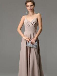 Бежевое длинное платье на бретелях с вырезом на спине на роспись и свадьбу