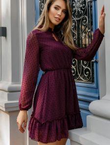 Короткое платье с шифона в горошек и ризинкой на талии
