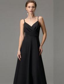 Черное длинное платье на бретелях с вырезом на спине