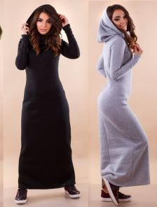 Черное длинное платье с капюшоном
