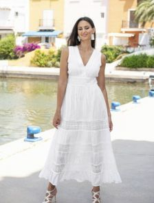 Хлопковое белое летнее платье длины макси
