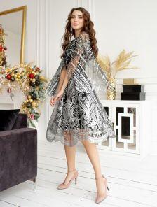 Черное вечернее платье с серебряным орнаментом