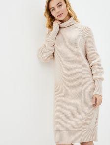 Вязаное бежевое теплое платье на длинный рукав с горловиной