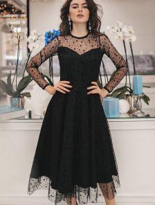 Черное нарядное платье в горошек с прозрачным рукавом