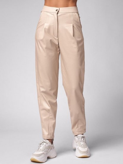 Бежевые брюки из экокожи на высокой талии, фото 1