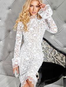 Белое нарядное кружевное платье с бежевой подкладкой на длинный рукав