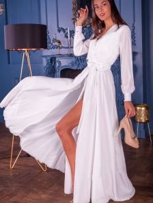 Вечернее белое платье с рукавом