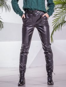 Черные облегающие кожаные женские брюки